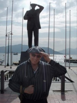 Attaturk statue in harbor, southern Turkey