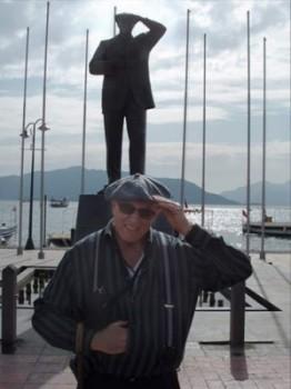 Attaturk statue in harbor, southern Turkey